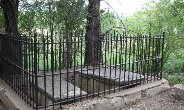 Maxwell Plaza Cemetery and Memorials, Cimarron, Colfax County, New Mexico